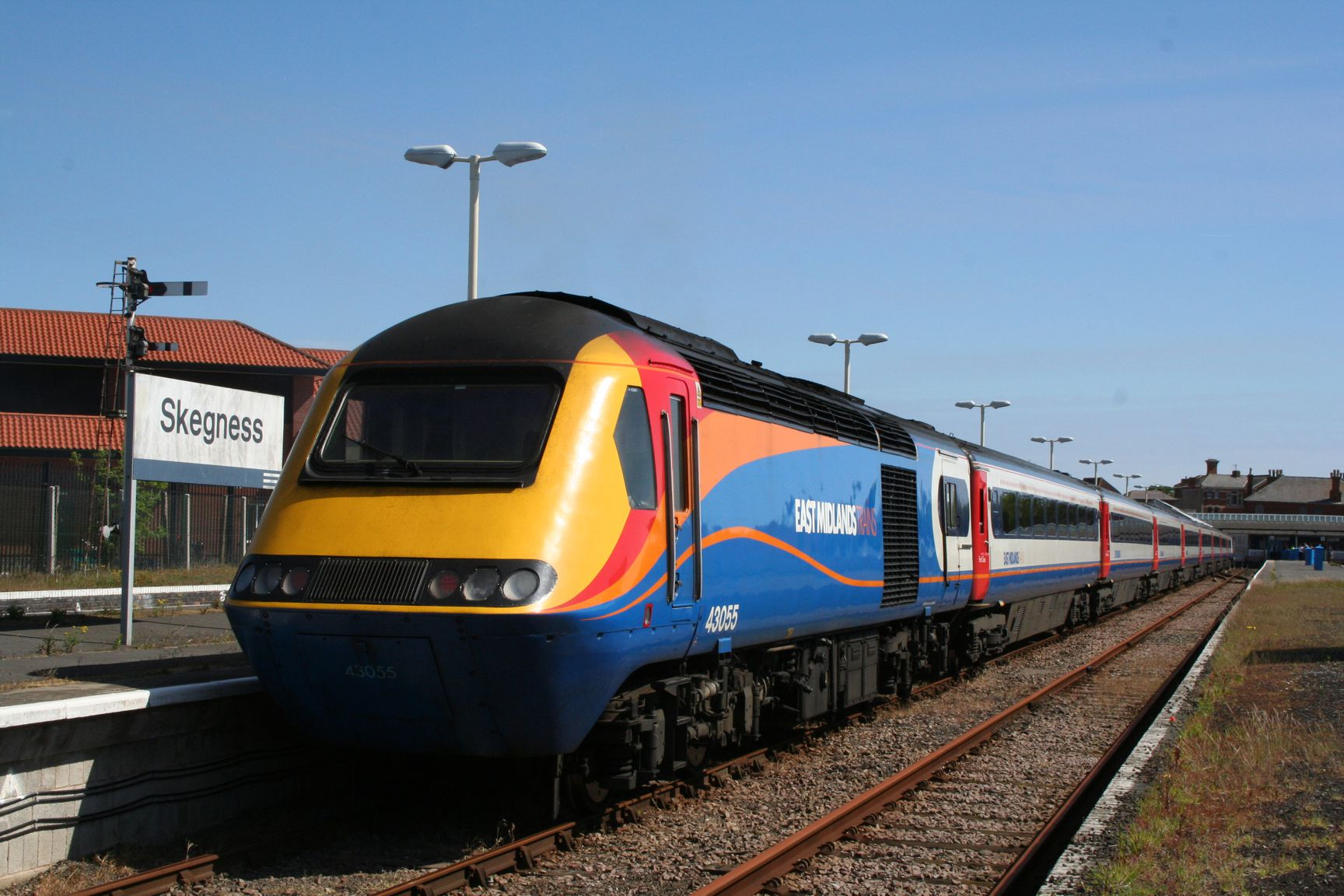 east midlands trains The gateway to britain's national rail network a portal into uk rail travel including train company information and promotions train times fares enquiries ticket purchase and train running information.